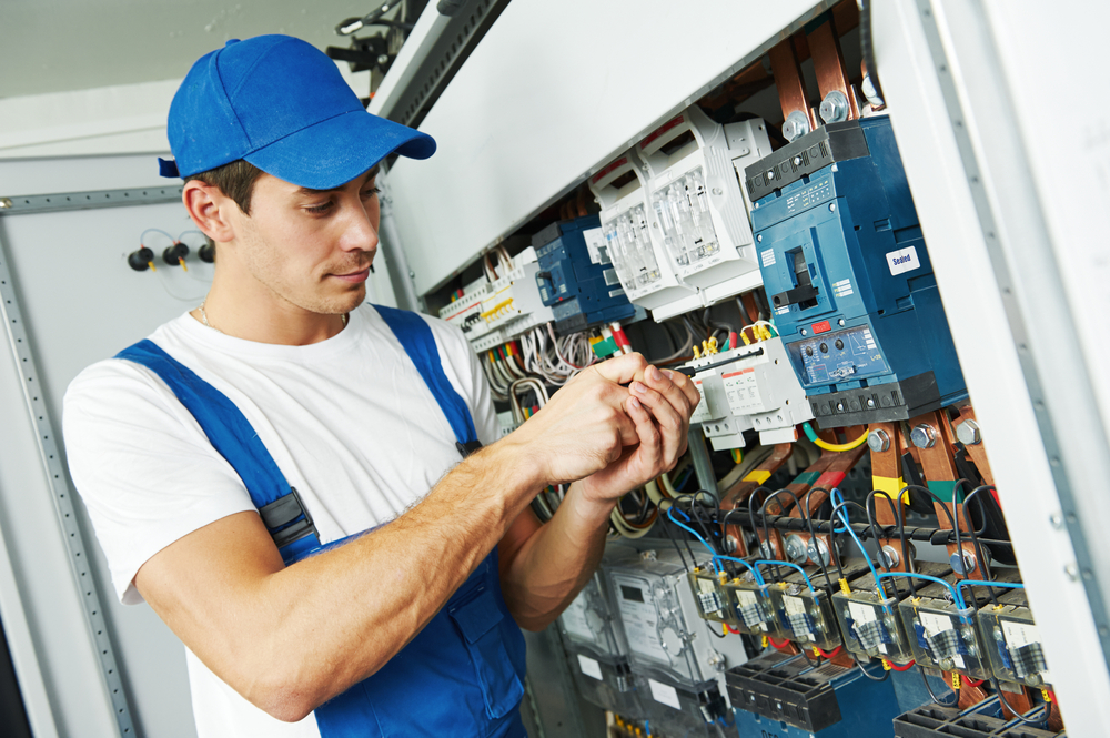 How to Choose a Qualified and Reliable Keller Electrical Contractor